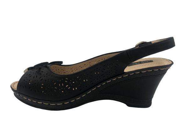Sandały czarne na koturnie ażurowe 3228-1